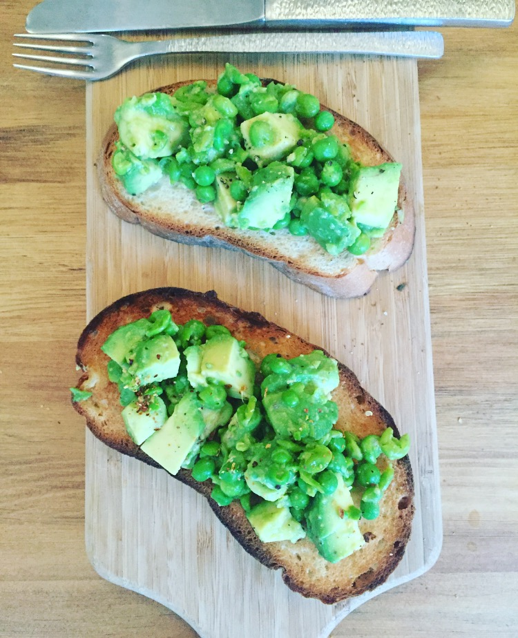 Avo and Pea Smash